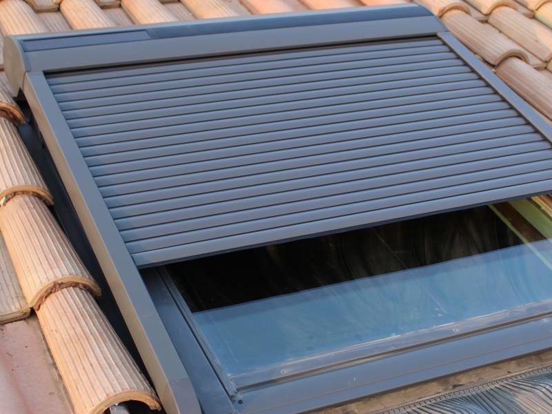 Installation De Fenêtre De Toit Velux Aubenas Ardèche