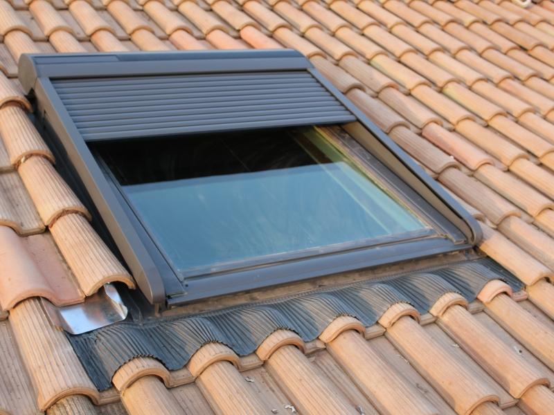 fenetre de toit projection latest fenetre de toit a. Black Bedroom Furniture Sets. Home Design Ideas